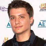 [Picture of Ryan Buell]