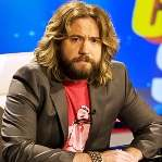 [Picture of Justin Lee Collins]
