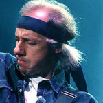 [Picture of Mark Knopfler]