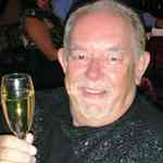[Picture of Robin Leach]