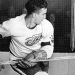 [Picture of Ted Lindsay]