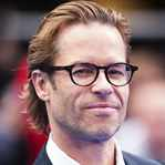 [Picture of Guy Pearce]
