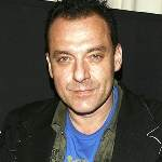 [Picture of Tom Sizemore]
