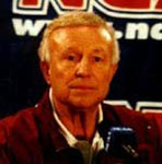 [Picture of Lou Henson]