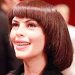 [Picture of Mireille Mathieu]